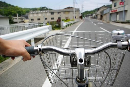 ママチャリ,自転車,スマホ,ながら運転,交通安全