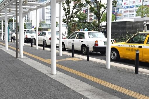 タクシー乗り場,駅周辺