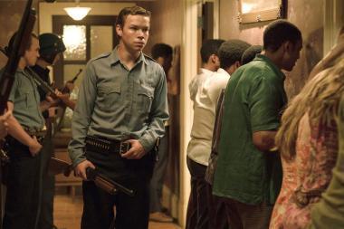 『デトロイト』 クラウス(ウィル・ポールター)たちはモーツルを占拠して犯人捜しを……。