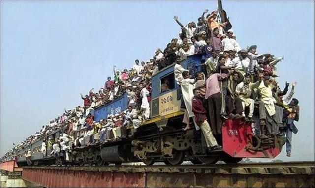 indian-train-4-f128e.jpg
