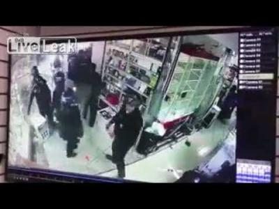 【衝撃!】メキシコ警察は無茶苦茶・・・盗むなよ!