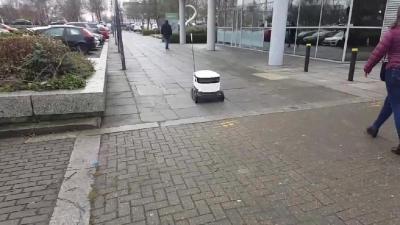 【いいね!】ロンドンでは配達ロボットが実用化されている!