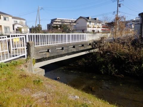 鳩川に架かる橋・海老名市下今泉