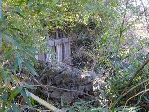 鳩川隧道分水路の制水門遺構