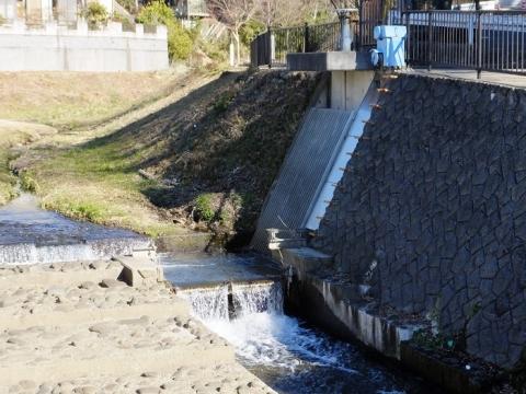 道保川河口の取水施設