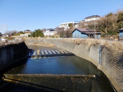 大盛橋上流の取水施設