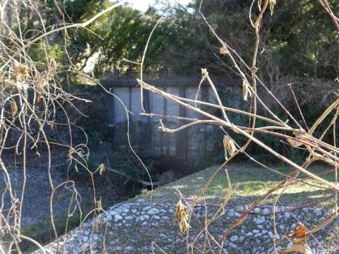 鳩川隧道分水路の制水門
