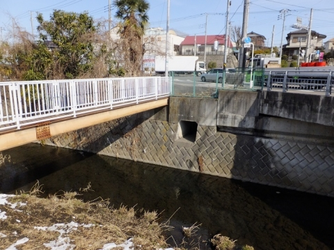 鳩川の千年橋と人道橋
