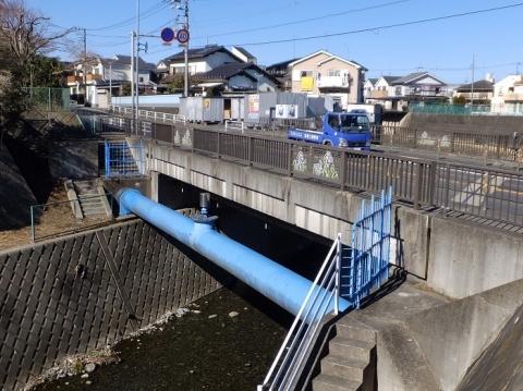 県道52号線舛田橋と水管橋