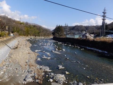 桂川右岸の駒橋発電所