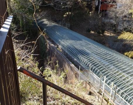 八ツ沢発電所第3号隧道出口と第2号水路橋