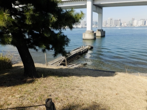 都立台場公園(第三台場)北側角の船着き場
