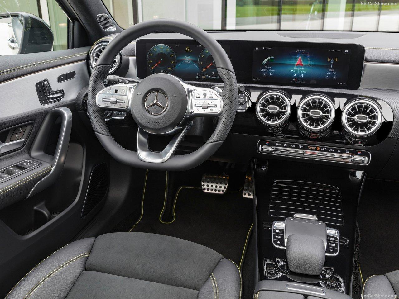 Mercedes-Benz-A-Class-2019-1280-2e.jpg