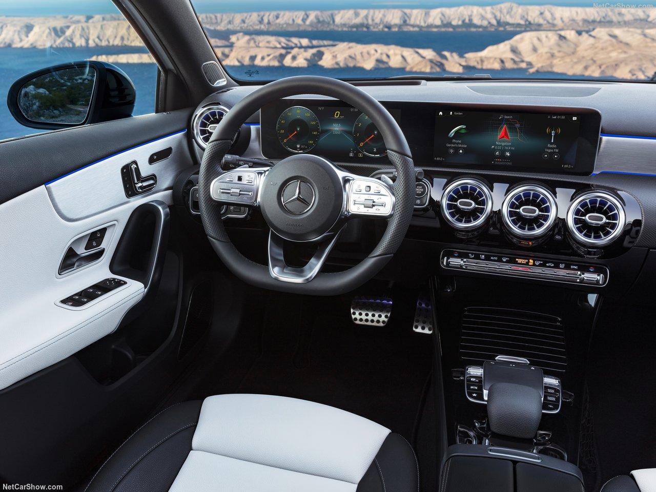 Mercedes-Benz-A-Class-2019-1280-2f.jpg