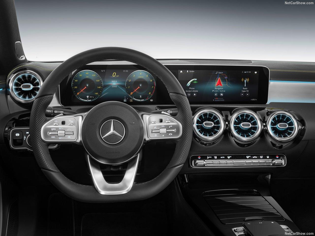 Mercedes-Benz-A-Class-2019-1280-31.jpg