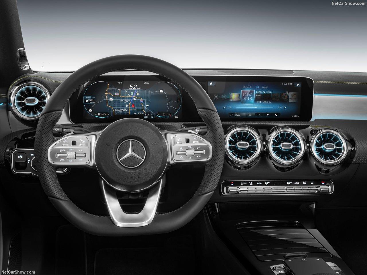 Mercedes-Benz-A-Class-2019-1280-34.jpg