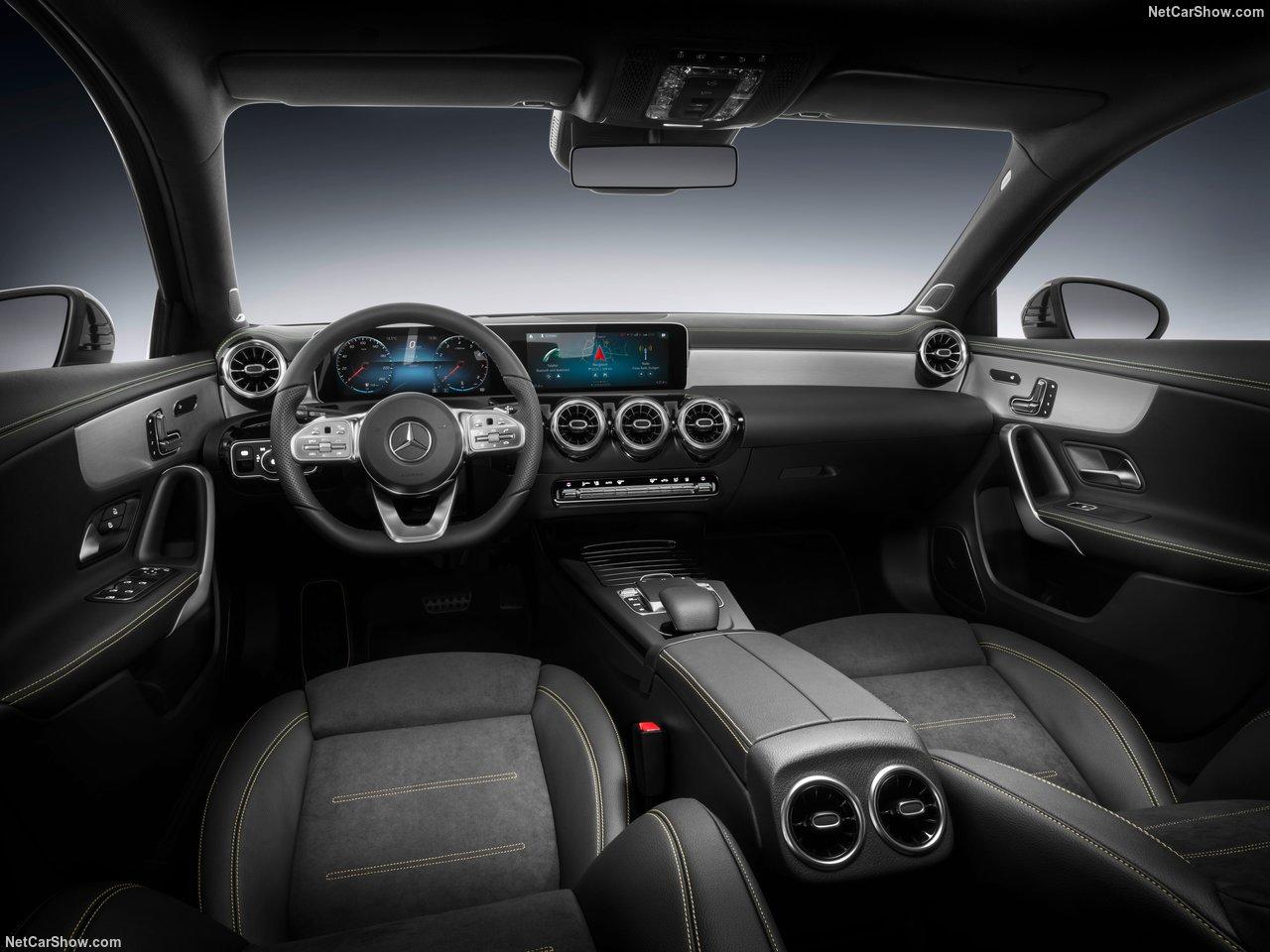 Mercedes-Benz-A-Class-2019-1280-36.jpg