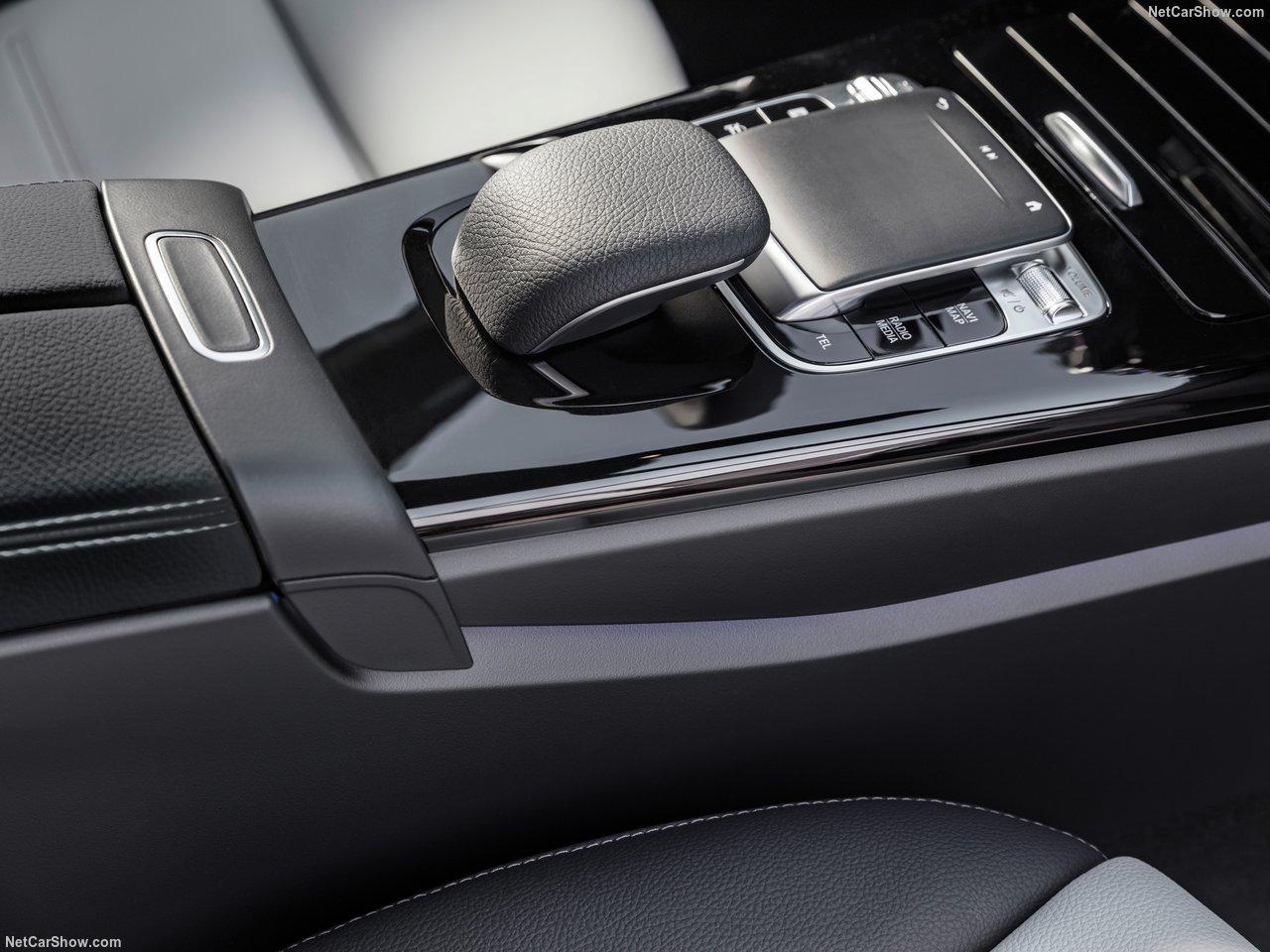 Mercedes-Benz-A-Class-2019-1280-43.jpg