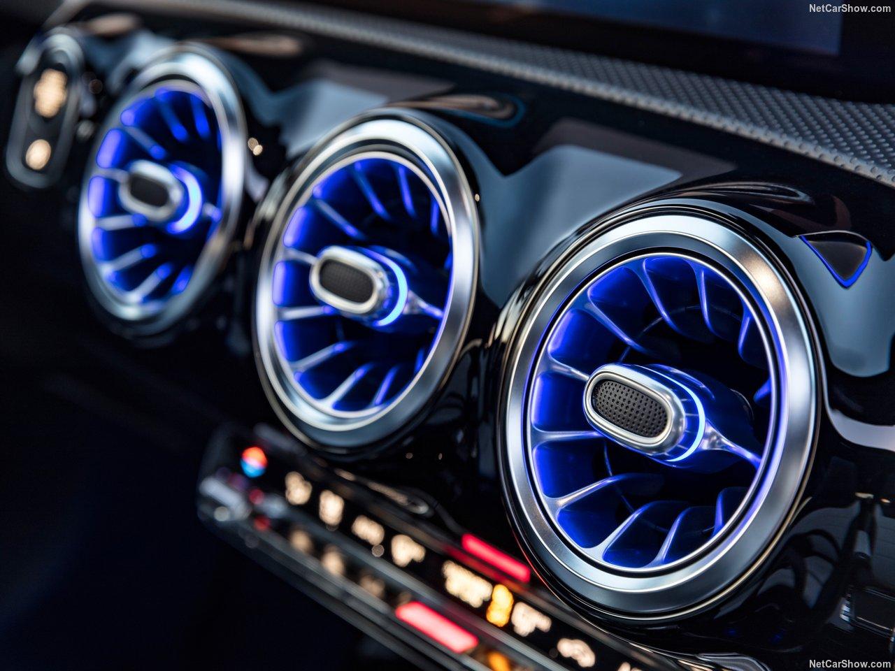 Mercedes-Benz-A-Class-2019-1280-44.jpg