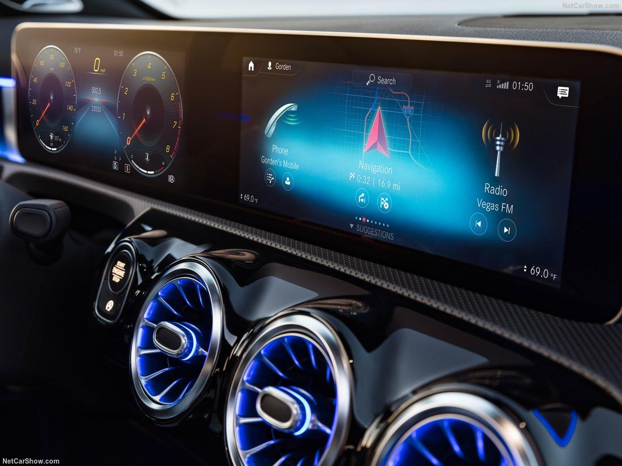 Mercedes-Benz-A-Class-2019-1280-46.jpg