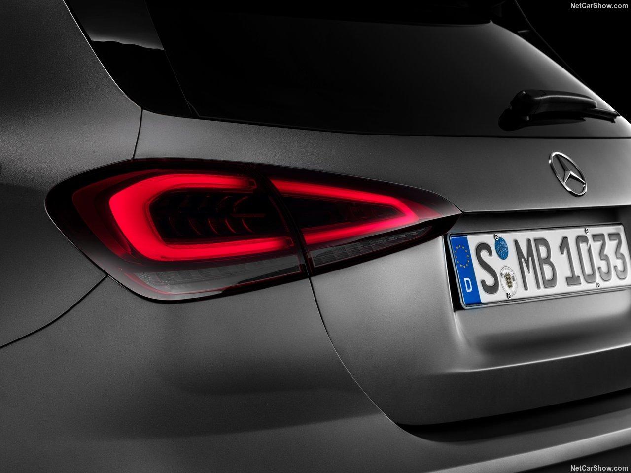 Mercedes-Benz-A-Class-2019-1280-4a.jpg