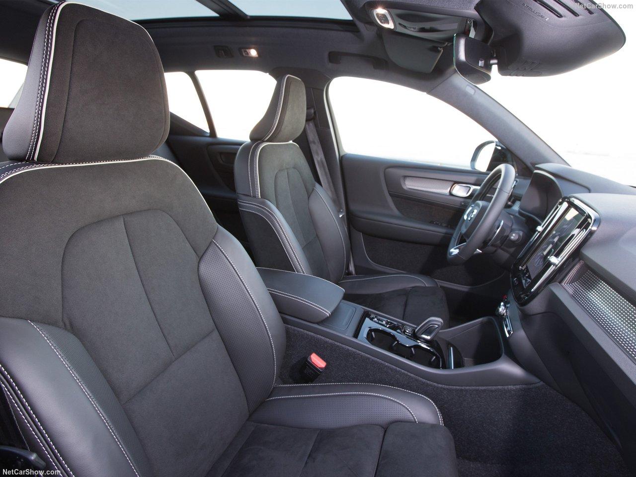 Volvo-XC40-2018-1280-6a.jpg