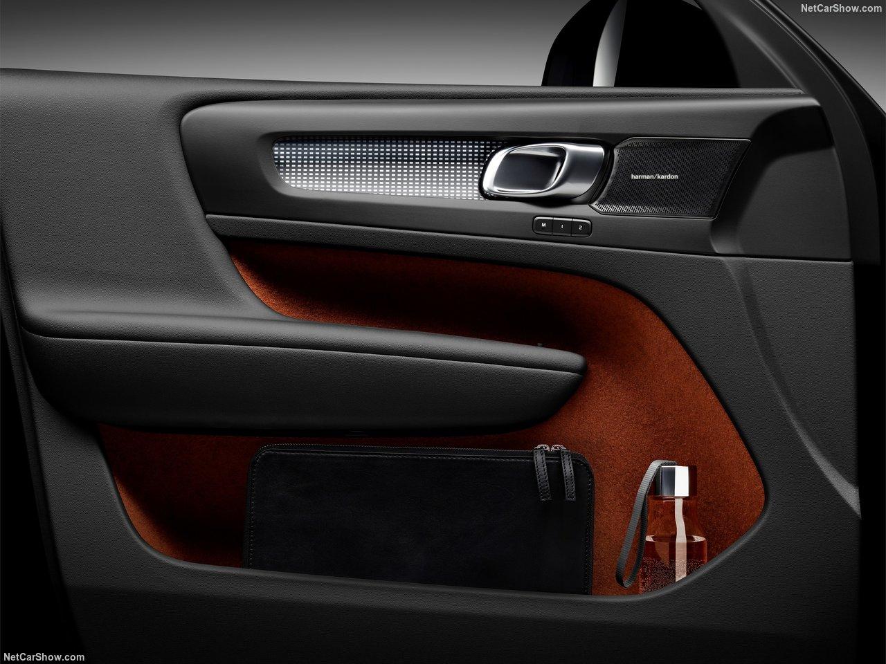 Volvo-XC40-2018-1280-7b.jpg