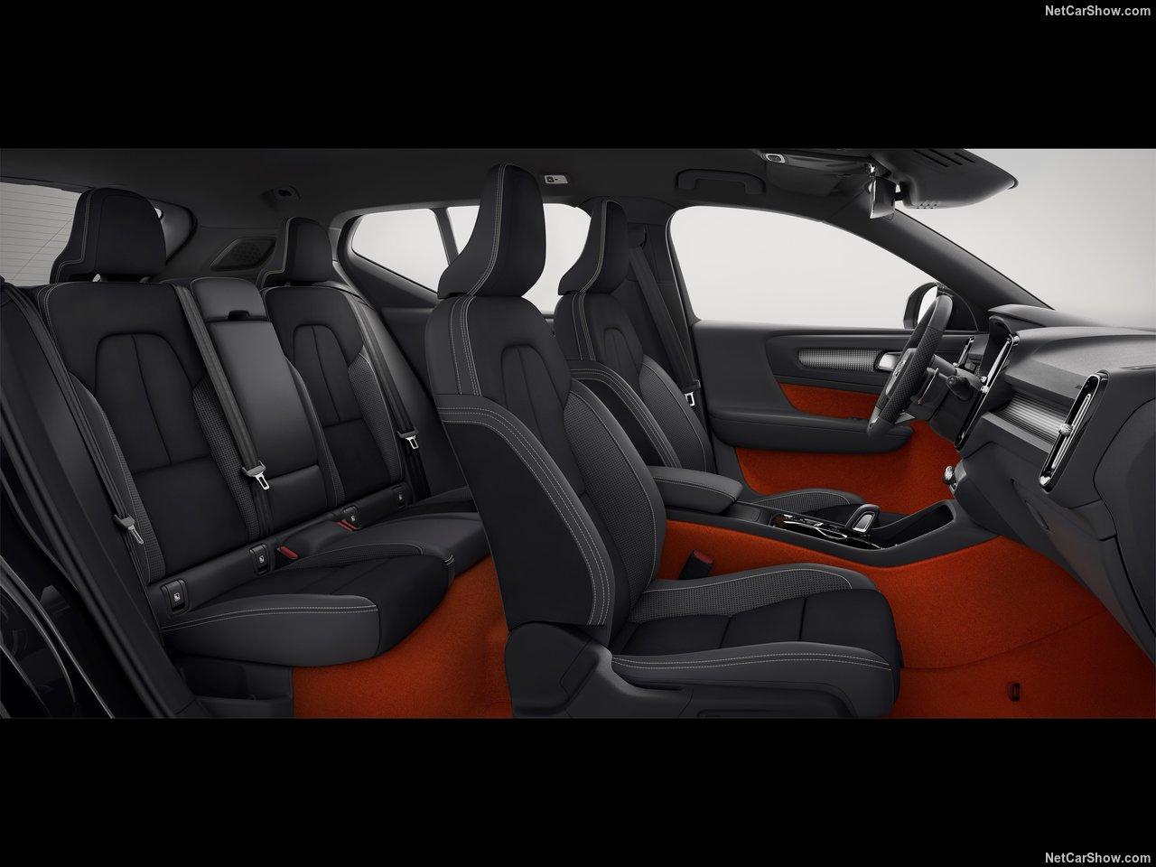 Volvo-XC40-2018-1280-99.jpg