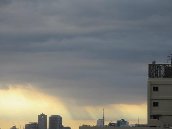 1A03  不思議な雲 15時頃 1111