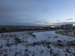 まだ雪残る羽田。
