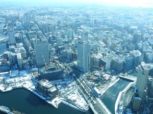 雪の横浜を上から。