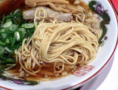 中華そば ふじい 芦原橋本店 中華そば(麺のアップ)