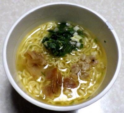 1/8発売 麺屋 翔 香彩鶏だし塩ラーメン(できあがり)