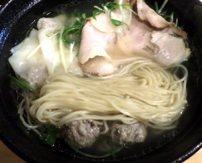 大阪麺哲 塩雲呑(麺のアップ)