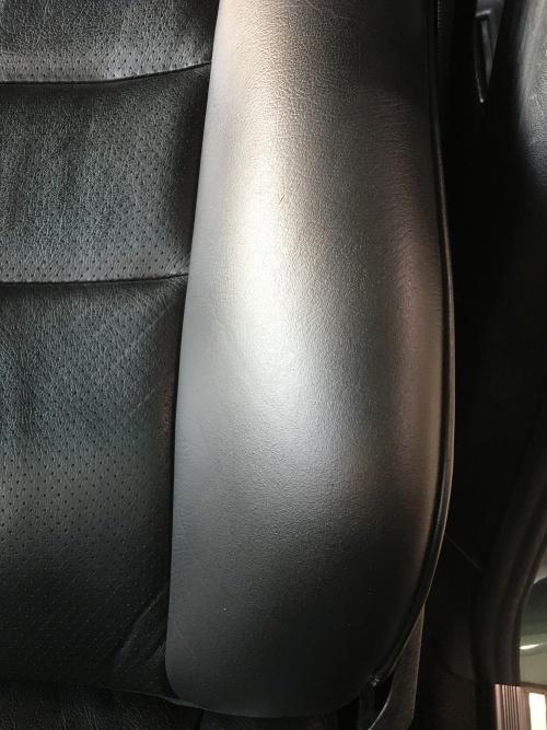 レザーシート ひび割れ補修 ベンツE320 (W124)