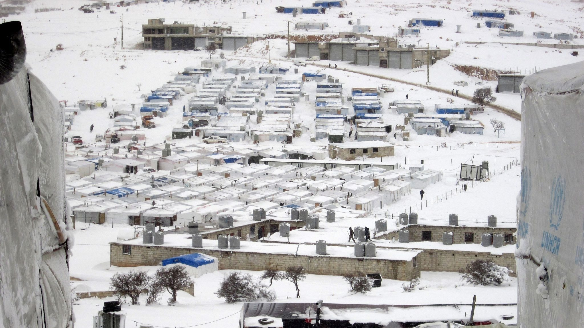 00a67811-bd12-4ca8-b006-cbe31444875610 Syrians freeze to death fleeing to Lebanon CGTN