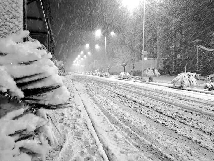 DVF9aWyWkAAssDfサハラ砂漠in snow