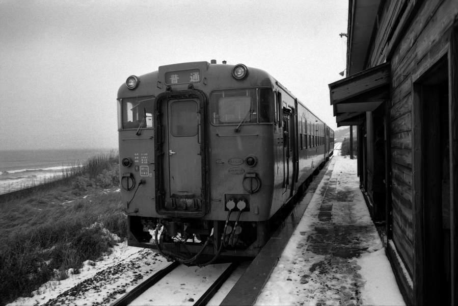 五能線 冬の驫木駅3 1986年12月31日 X970 AdobeRGB16bit 原版take1b
