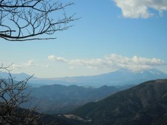 登山道途中で富士見場所180104