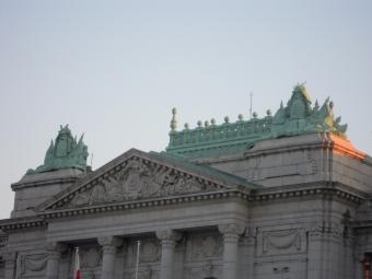 迎賓館本館屋根のカブト180113