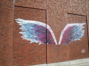 赤レンガ付近 天使の羽根180212