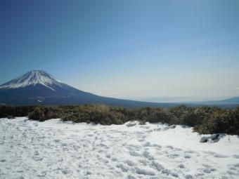 竜ヶ岳山頂から富士山180218
