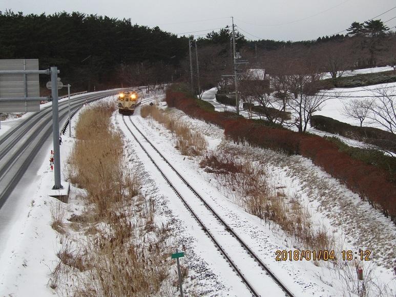 雪の中の列車