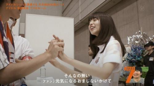 乃木坂の握手会の手の組み方なんかエロいな