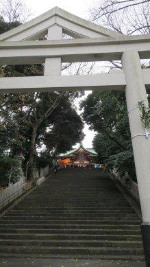 山王鳥居から見た男坂と神門