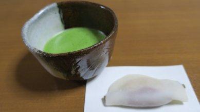 花びら餅と徳澤守俊・朝鮮茶碗写し