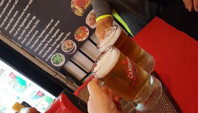 オールドマーケットでビール