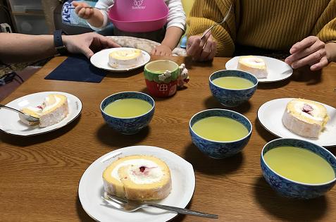 20180108フランセのロールケーキ