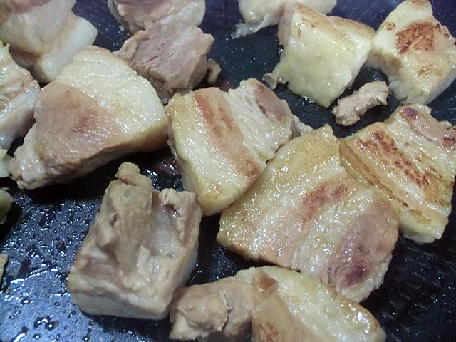煮豚を焼く