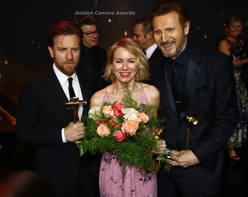 NaomiWatts-goldencamera-award.jpg